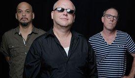 Pixies сыграли новый трек со смешным названием