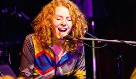 Алина Орлова в клубе 16 Тонн (24/09/2011) : фото с концерта, фотоотчёт, обзор
