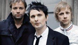 Muse поделились фотографиями из студии