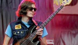 Басист The Strokes образовал новую группу