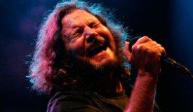 Эдди Веддер из Pearl Jam исполнил новый трек