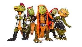 Пару слов о финской метал-группе, играющей для детей в костюмах динозавров