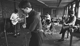 Лучше поздно… Joy Division запустили официальный сайт
