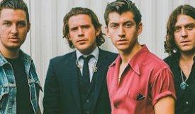 Arctic Monkeys спели песню Лу Рида