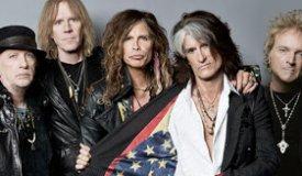 Джонни Депп присоединился Aerosmith на концерте в Массачусетсе