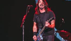 Дейв Грол выложил раритетный трек, который он записал до образования Foo Fighters