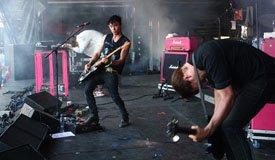 The Big Pink выпустили первый сингл за три года