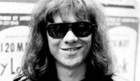Умер Томми Рамон, последний участник оригинального состава Ramones