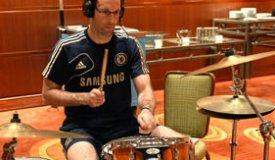 Вратарь «Челси» Петр Чех записал кавер на Foo Fighters