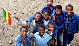 Эфиопские студенты учат английский по песне Pearl Jam