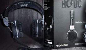 AC/DC пошли по пути Motorhead, анонсировав свои фирменные наушники!