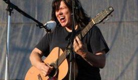 Бывшая басистка Pixies представила новый трек