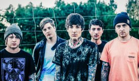 Паника в селе: Bring Me The Horizon выпустили клип «Follow You»