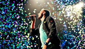 Coldplay и Марк Ронсон выступили на «Супербоуле»